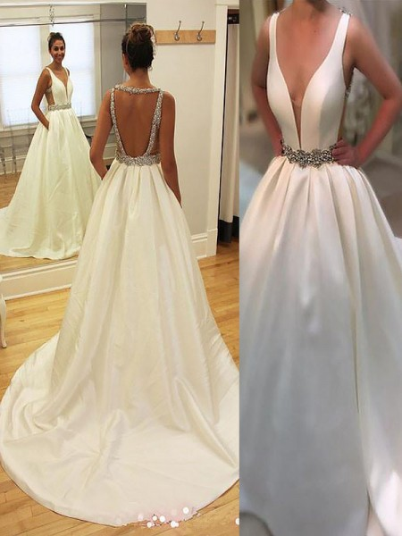A-Line/Princess Court Train Satin V-neck Wedding Dresses