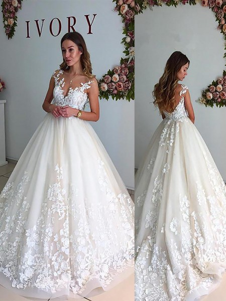 A-Line/Princess Tulle V-neck Court Train Wedding Dresses