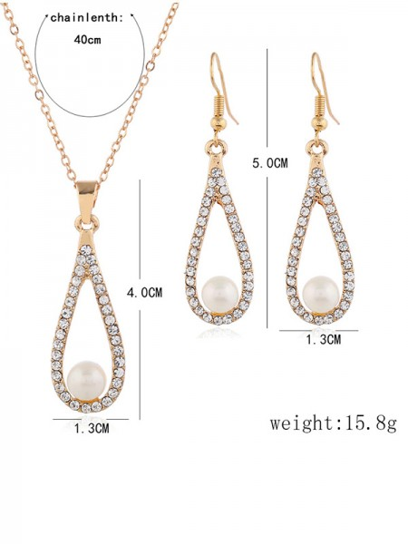 Luxurious Alloy Bridal Necklaces