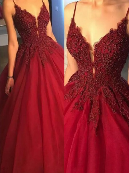 Ball Gown Sleeveless Sweep/Brush Train Spaghetti Straps Applique Tulle Dresses