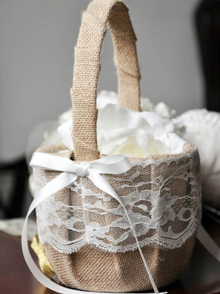 Outstanding Flower Basket In Linen With Bowknot