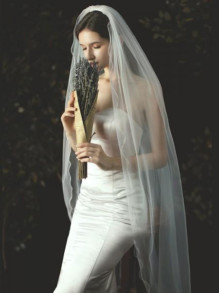 Graceful Tulle Trim Edge/Scalloped Edge Waltz Wedding Veils