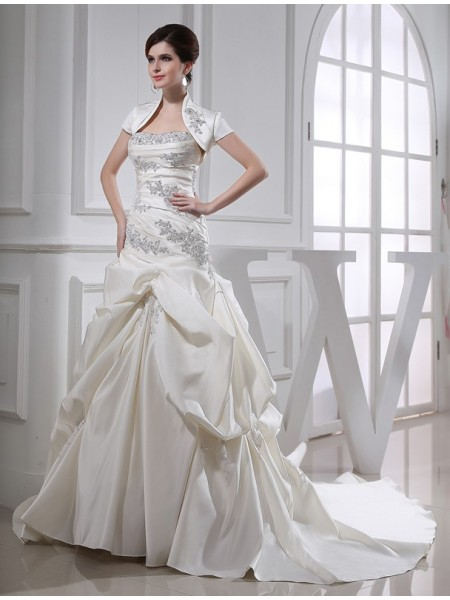 Trumpet/Mermaid Long Satin Strapless Wedding Dress