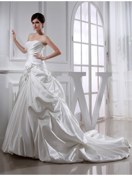 A-Line/Princess Applique Strapless Long Satin Wedding Dress