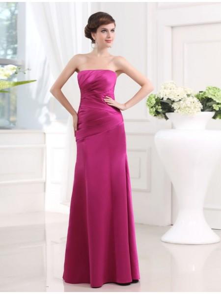 Sheath/Column Strapless Satin Bridesmaid Dress