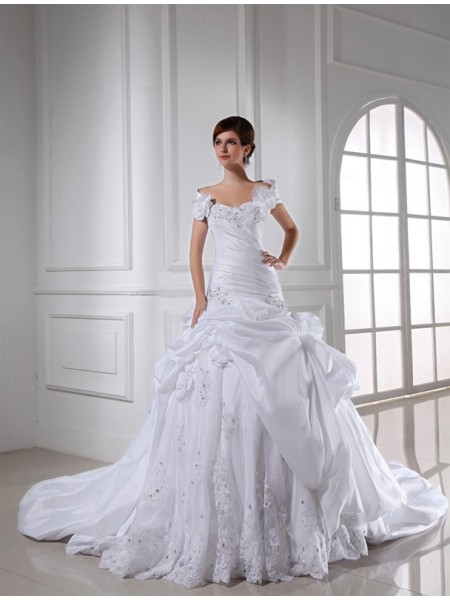Sweetheart Long Taffeta Wedding Dress