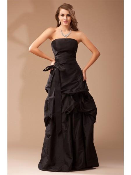 A-Line/Princess Strapless Ruffles Long Taffeta Dress