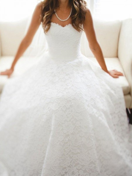 A-Line/Princess Cathedral Train Sleeveless Lace Wedding Dress
