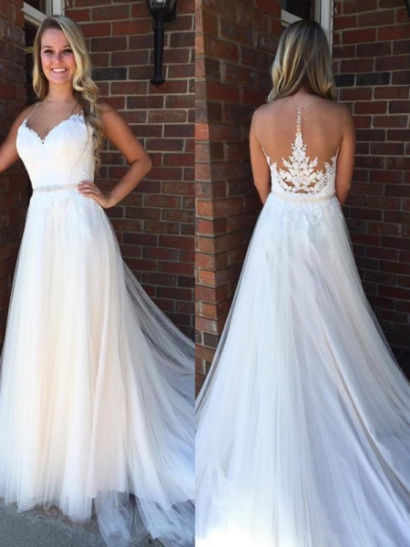 A-Line/Princess Sleeveless Scoop Applique Court Train Tulle Wedding Dress