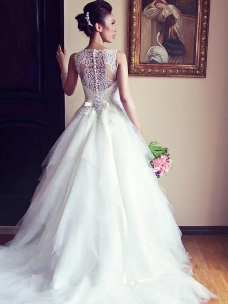A-Line/Princess Sleeveless Scoop Chapel Train Beading Applique Lace Tulle Wedding Dress