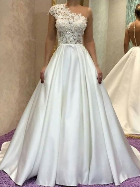 A-Line/Princess Sleeveles One-Shoulder Sweep/Brush Train Lace Wedding Dresses with Satin
