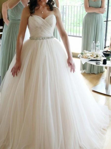Ball Gown Sweetheart Sleeveless Floor-Length Beading Wedding Dresses with Tulle