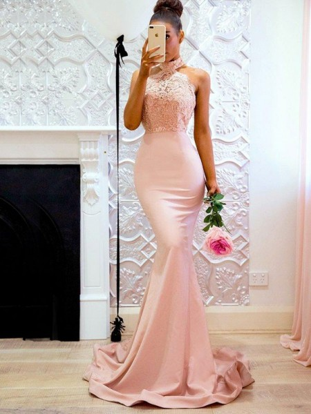 Trumpet/Mermaid Sleeveless Halter Sweep/Brush Train Lace Dresses with Satin