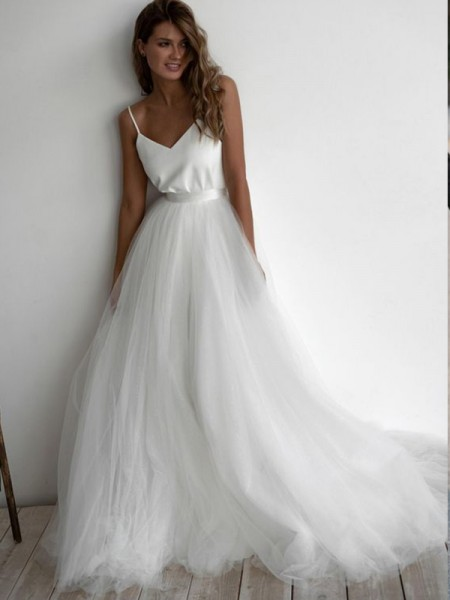 A-Line/Princess Spaghetti Straps Tulle Sleeveless Ruffles Sweep/Brush Train Wedding Dresses