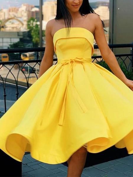 A-Line/Princess Satin Sash/Ribbon/Belt Strapless Sleeveless Knee-Length Homecoming Dresses