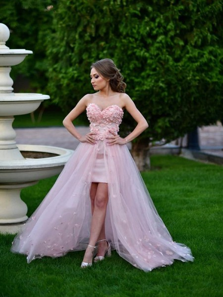 A-Line/Princess Tulle Sweetheart Sleeveless Hand-Made Flower Sweep/Brush Train Dresses