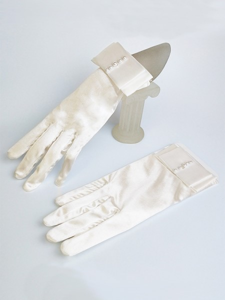 Beautiful Cloth With Pearl Wedding Gloves