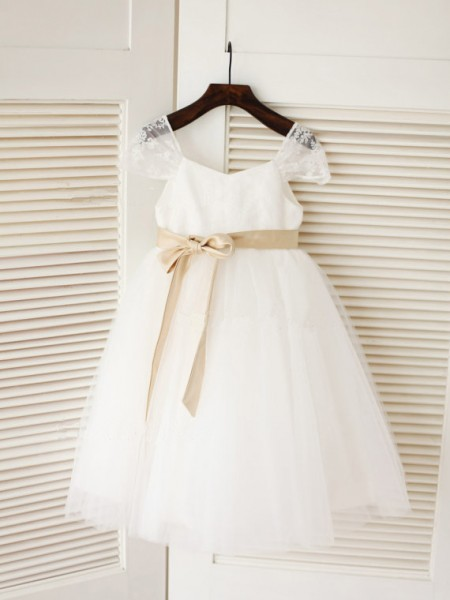 Ball Gown Sleeveless Scoop Long Tulle Dresses