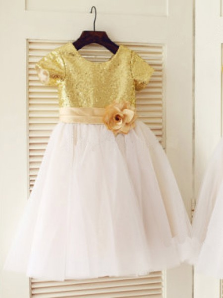 A-line/Princess Scoop Short Sleeves Sequin Knee-Length Tulle Dresses