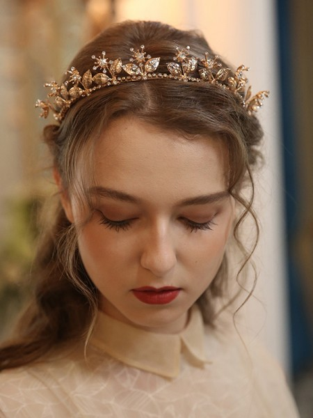 Fashion Alloy With Flower Headpieces