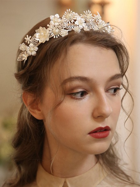 Pretty Alloy With Pearl Headpieces