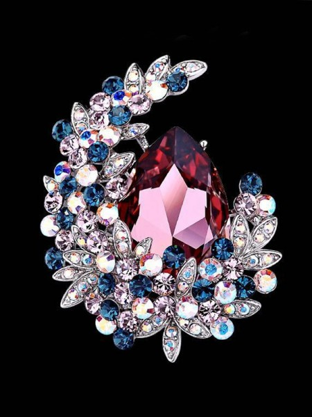 Beautiful Alloy With Crystal Ladies' Brooch